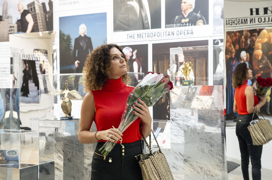 Флоранс Хворостовская посетила выставку «Голос, покоривший мир» в Санкт-Петербурге