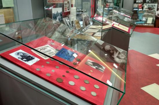 Мини-выставка нумизматики «Серебряный век»